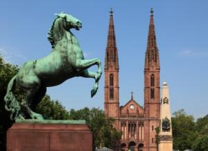 Wiesbaden Luisenplatz mit Bonifatiuskirche